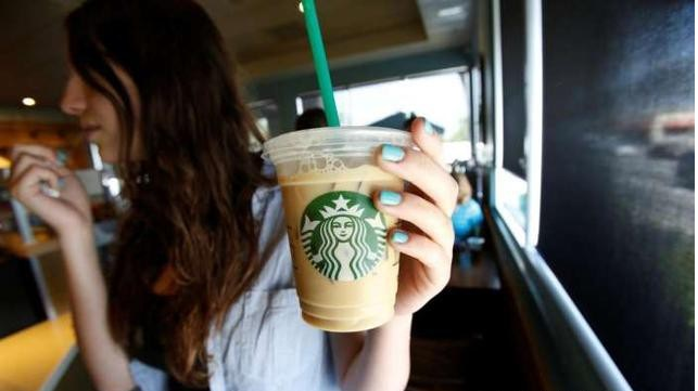 say-goodbye-to-the-plastic-strawstarbucks-in-south-korean-use-paper-straws-for-the-environment